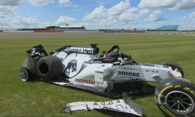 Росіянин вилаявся, дивом уцілівши після страшної аварії у Формулі-1