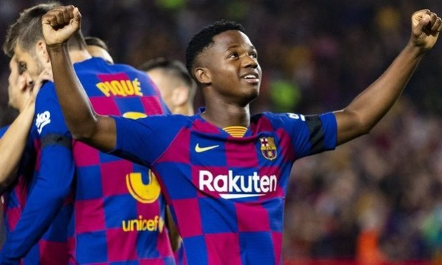 Барселона продовжила контракт з Фаті