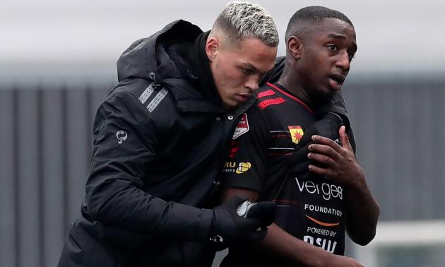 У чемпіонаті Нідерландів футболіст по-чоловічому відповів на расистські вигуки