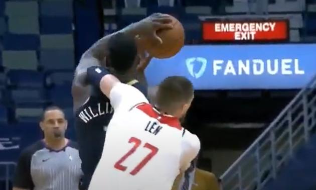 Лень отримав неспортивний фол в НБА