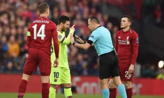 Захисник Ліверпуля вдарив Мессі по голові. Його могли за це видалити