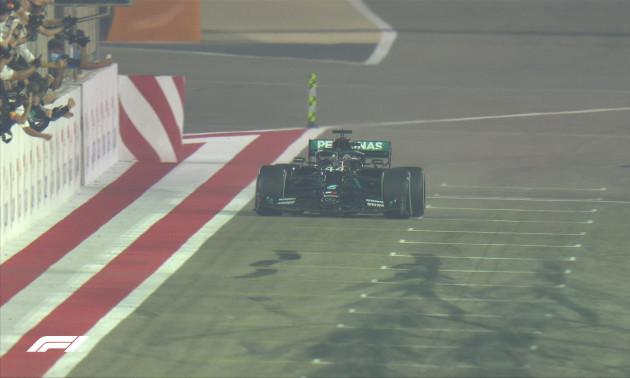 Гамільтон виграв напружений Гран-прі Бахрейну