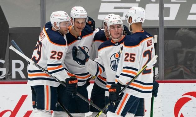 Едмонтон вийшов до плей-оф НХЛ