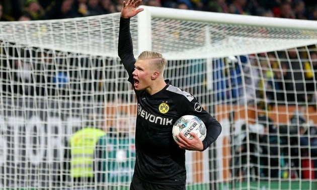 Голанд оформив хет-трик у дебютному матчі за Боруссію