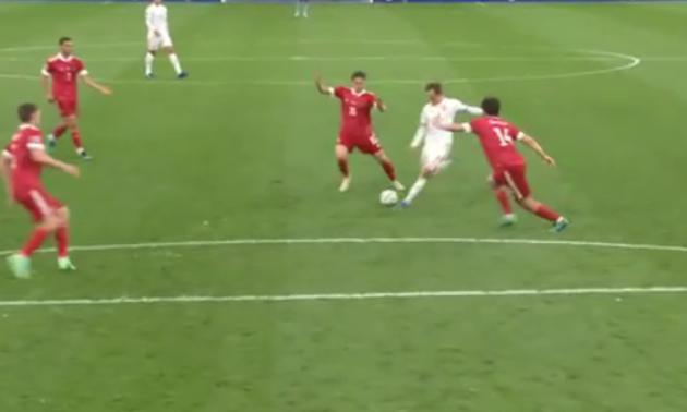 Збірна Данії забиває Росії божевільний гол