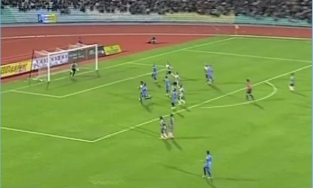 Неймовірний гол із чемпіонату Малайзії - Роберто Карлосу на заздрість