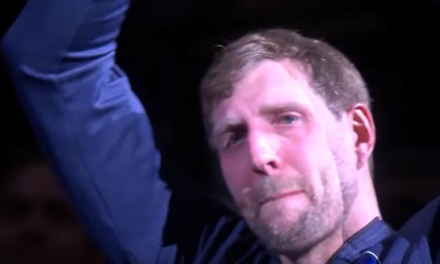 Легендарний Дірк Новіцкі не стримав сліз перед своїм останнім матчем в НБА