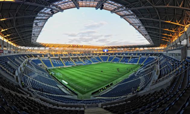 Стадіон Чорноморець перетворився на грядку після концерту Монатіка