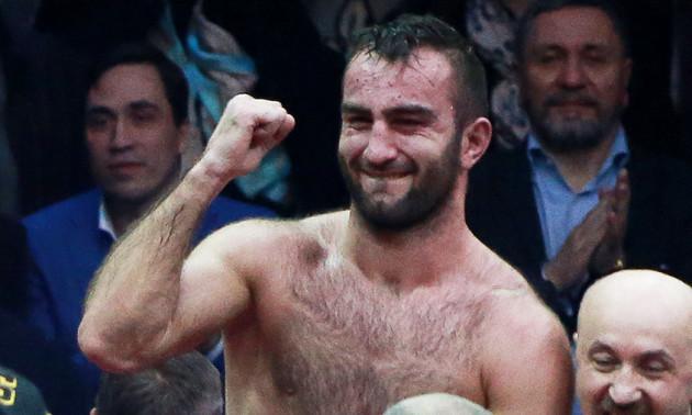 Гасієв переніс свій дебют у суперважкій вазі