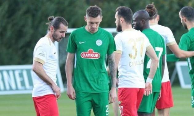 В Європі зупинено передостанній футбольний чемпіонат
