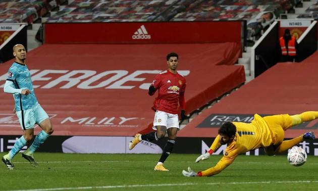 Манчестер Юнайтед вирвав перемогу в Ліверпуля та вийшов до 1/8 Кубку Англії