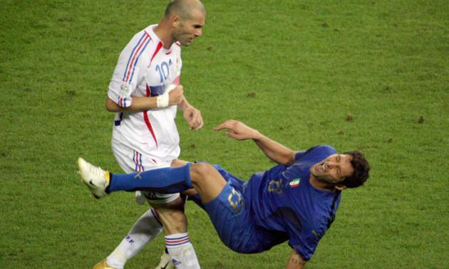 14 років тому  Зідан виконав свій найвідоміший удар головою