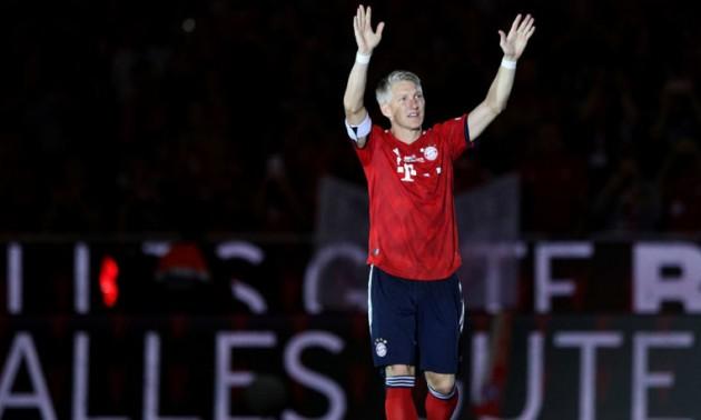 Легендарний гравець збірної Німеччини зіграв свій прощальний матч. ФОТО