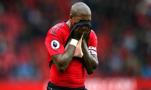 Гравцям Манчестер Юнайтед уріжуть зарплату