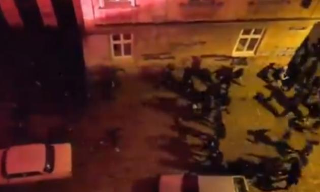 Французькі й українські ультрас влаштували масову бійку у центрі Львова