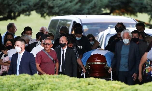 Марадону поховали на приватному кладовищі у Буенос-Айресі