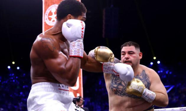 Джошуа взяв реванш у Руїса та повернув чемпіонські пояси
