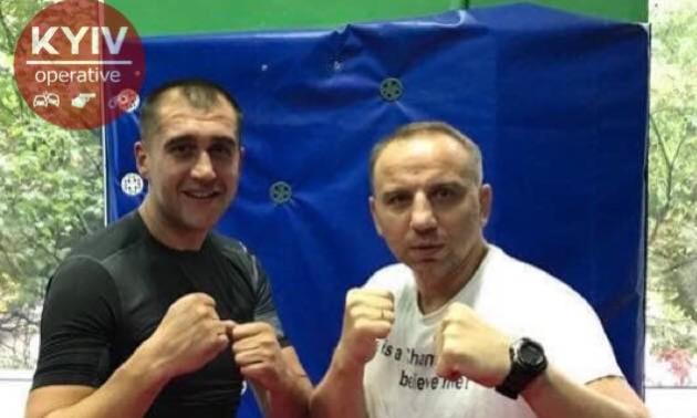 Український чемпіон світу з кікбоксингу побився з підлітками на вулиці. ВІДЕО