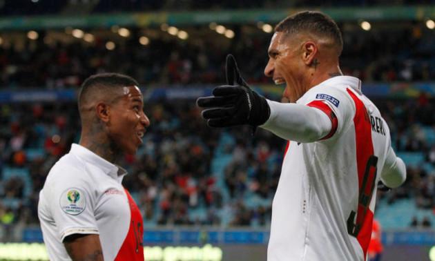 Збірна Перу відзначила перемогу над Чилі яскравими танцями в роздягальні