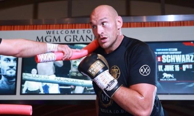 Ф'юрі хоче підписати контракт з UFC