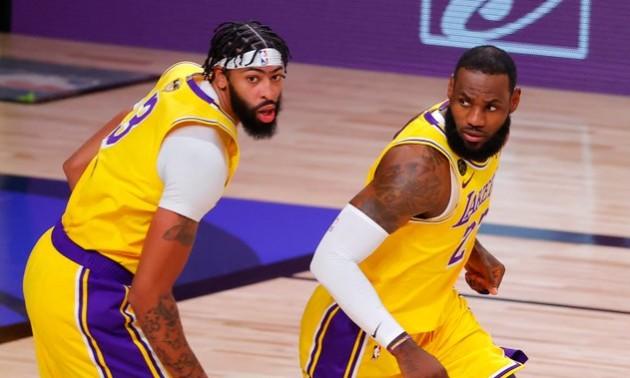 Лейкерс розібрався із Маямі у першому матчі фіналу НБА