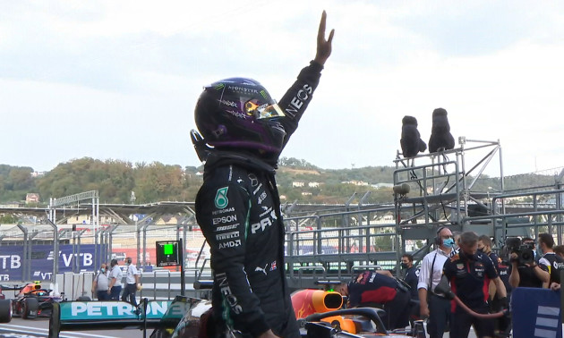 Гамільтон здобув поул на Гран-прі Сочі