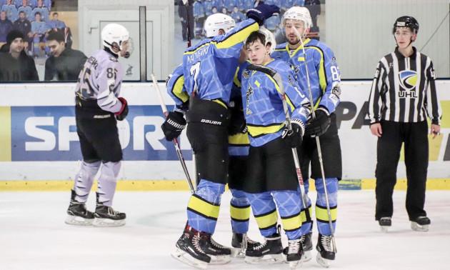 Дніпро всуху обіграв Крижаних Вовків в останньому матчі регулярного чемпіонату