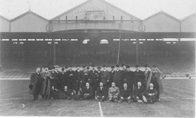 У цей день МЮ зіграв свій перший матч на Олд Траффорд. Фотоісторія легендарного стадіону
