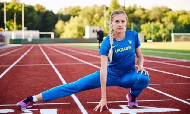 Українська атлетка закликає підтримати її у фіналі. ФОТО