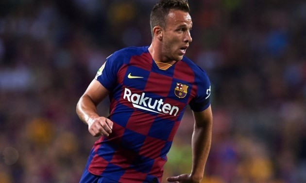 Барселона продала Артура в Ювентус