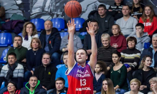 Лідер Політехніка перейшов до дебютанта Суперліги