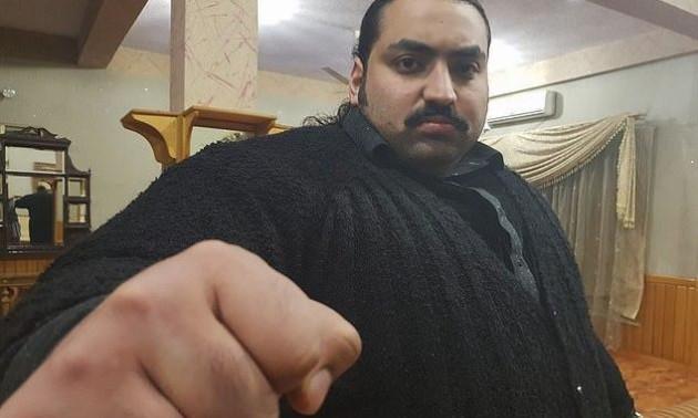 Спортсмен із Пакистану вагою 440 кг шукає собі дівчину, до якої пред'являє дві вимоги
