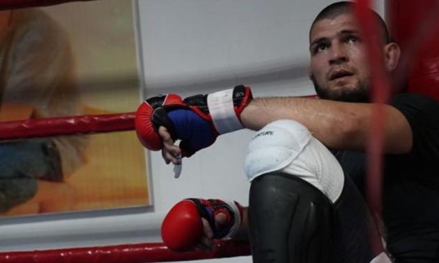 Нурмагомедов відновив тренування після смерті батька