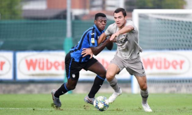 Молодіжна команда Шахтаря познущалася з Аталанти, забивши витончений пенальті