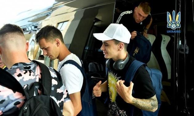 17 гравців прибули у розташування збірної України