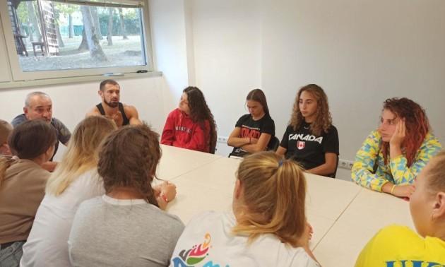 Збірна України із самбо відправилася на збори в Болгарію