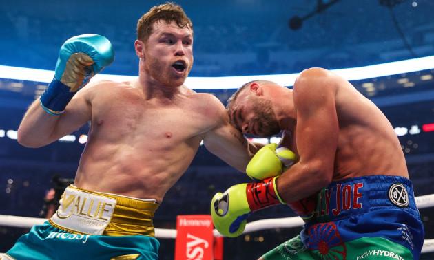 Канело нокаутував Сондерса та здобув титул WBO
