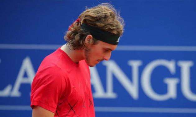 На турнірі у Лондоні Ціціпас потрапив м'ячем в обличчя судді