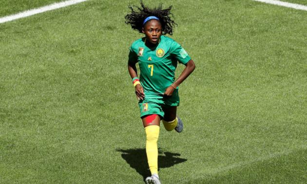 Футболістка збірної Камеруну мало не розбила обличчя суперниці