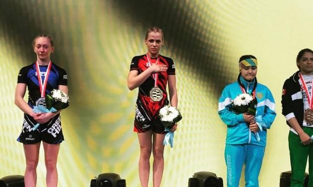 Українка стала першою в історії чемпіонкою світу з ММА
