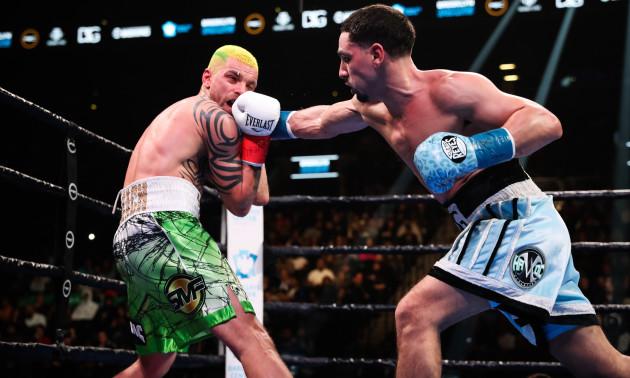 Гарсія у 12 раундах знищив Редкача і став претендентом на пояс WBC