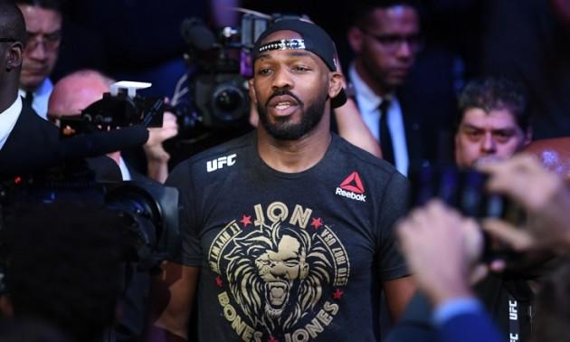 Заарештували чемпіона UFC за водіння у нетверезому стані і зберігання зброї