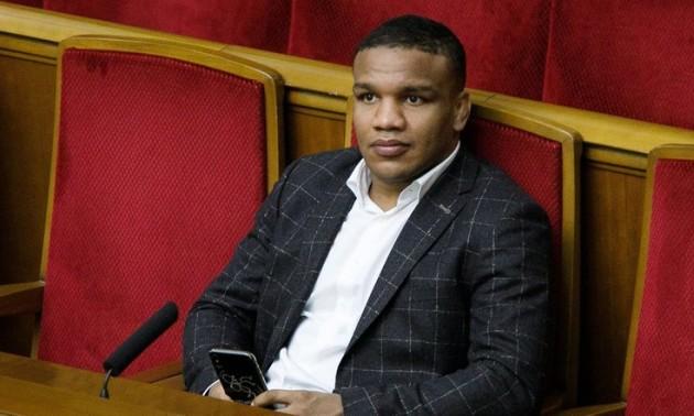 Зірковий український спортсмен і нардеп знявся у кліпі Гайтани