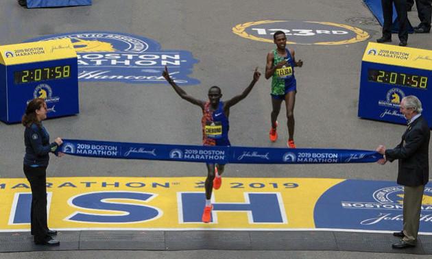 Неймовірний фініш на бостонському марафоні