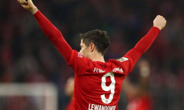 Левандовський знову став найкращим бомбардиром групового етапу Ліги чемпіонів