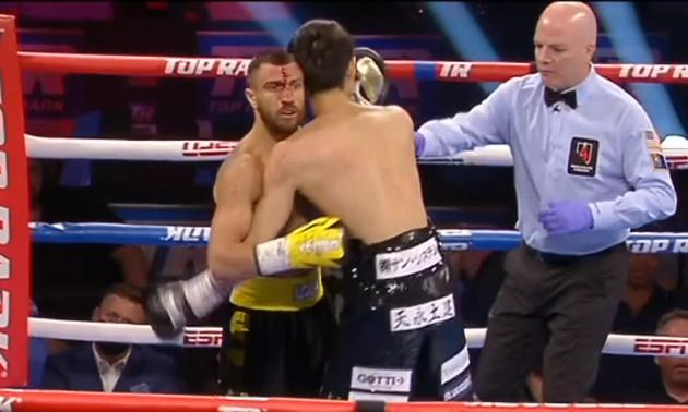 Ломаченко переміг технічним нокаутом Накатані в 9 раунді