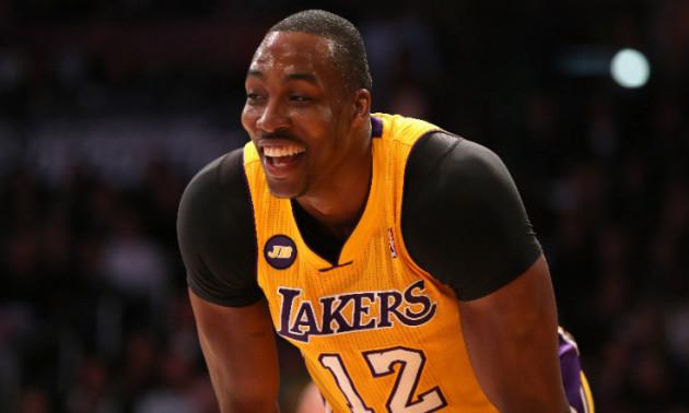 Зірка НБА влаштував конкурс по кидках зверху з професійним данкером