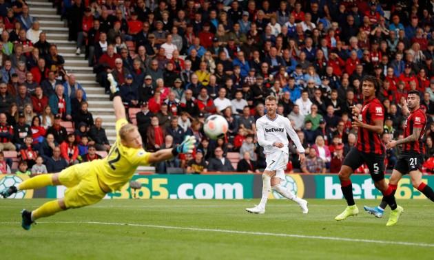 Ярмоленка не зупинити! Українець забив шикарний гол у ворота Борнмута