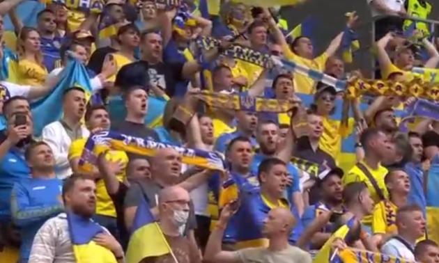 Гімн України перед матчем проти Північної Македонії
