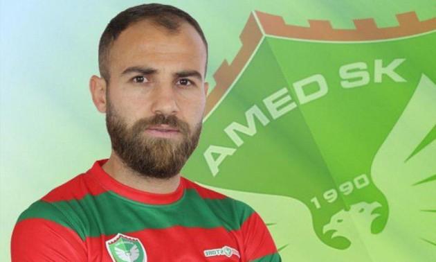 Турецький футболіст проніс на поле лезо і різав суперників під час матчу 5e50e0a626157